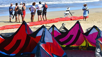 Epic Kites demo fight Malaka… video