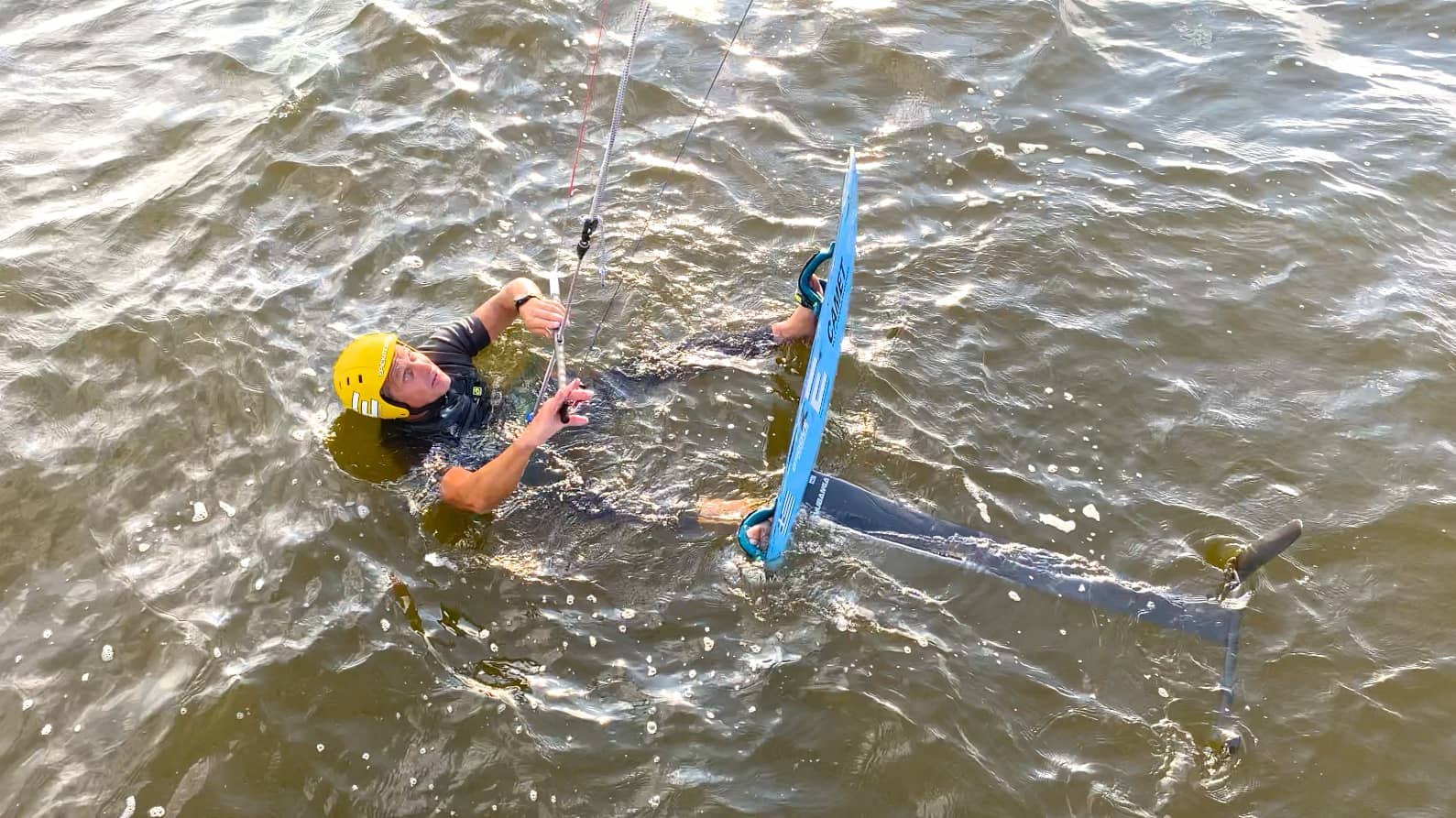 FOILING. How to water start in shallow waters - with Epic Kites Kiteboarding