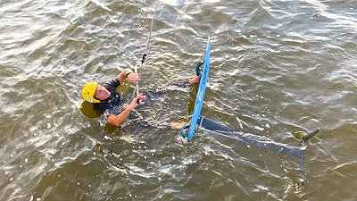 FOILING. How to water start in shallow waters