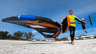 How to carry your Wing & Foil board to the beach