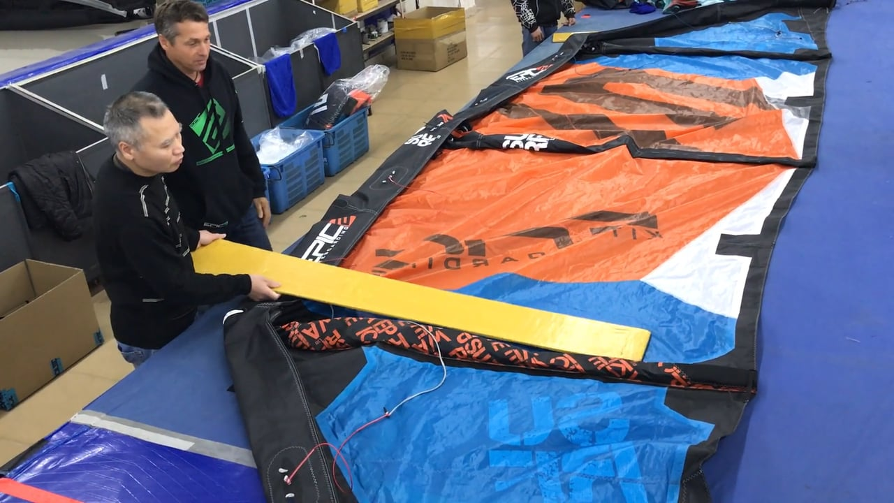 HOW TO FOLD A KITE PROFESSIONALLY - with Epic Kites Kiteboarding