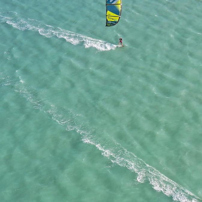 Had an epic time in the Keys Florida. Decided to take a two day trip with my Florida rep Jeff and friend Tim and get some action videos/photos but once we got to the beach kiters wanted to demo the EPICKITES which led to few sales after they were done demoing them. #epickites #kitesurfing #kiteboarding #epickiteboarding