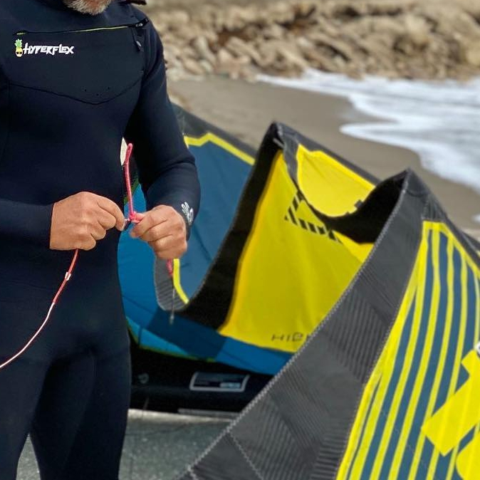 Dimitri Maramenides getting ready for an epic session in Fort a Pierce Florida. #epickites #kitesurfing #dimitrimaramenides #fortpierceflorida
