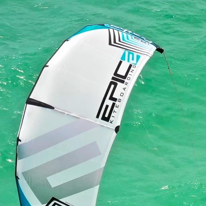 Twi kiters having fun testing for the first time the new FEATHER 6.5 m kite on there foil boards.  They could not believe how amazing this kite was. Actually one of the Kiters told me I don't need to say anything, let the kiters demo the kite and they will buy it once  they try it 🤔😏👍. #epickites #feather #kitefoiling
